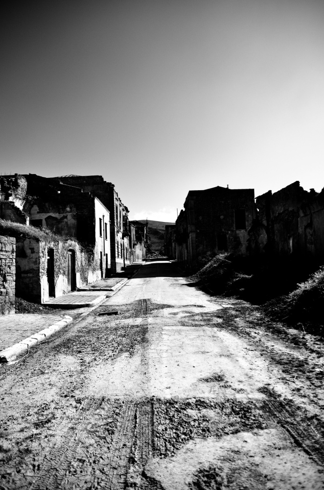 Sicilian ghost town (1/6)